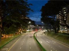 """新加坡将路灯换成LED引起""""民哄"""""""