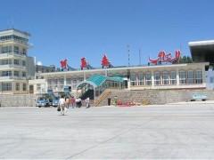 阿勒泰机场疆内首例使用嵌入式LED灯光跑道