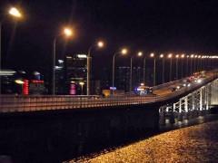 玉城把将近3600盏旧路灯改造成LED节能灯