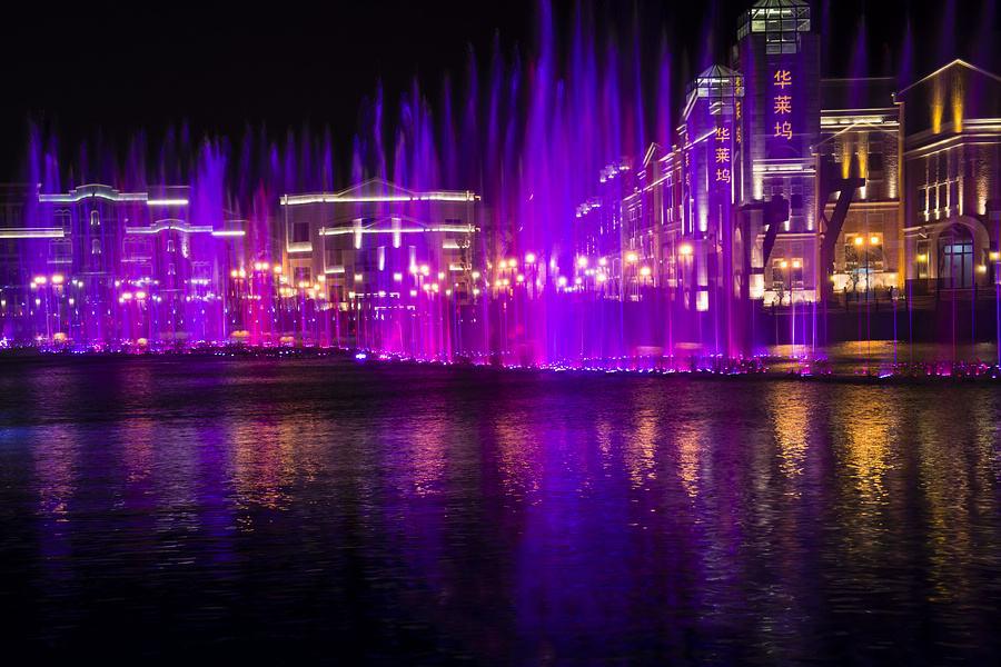 音乐喷泉夜景