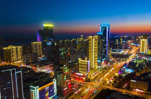 """青岛西海岸新区照明工程获评年度""""全球百佳"""""""